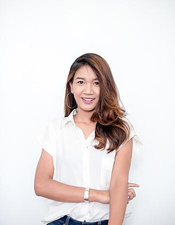 Miss Nicha Loetlam